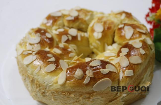 Bánh mì hình hoa cúc