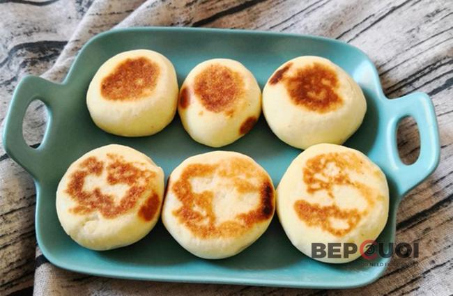 Bánh trứng yến mạch nướng áp chảo