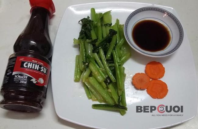 Cải ngọt xào tỏi chấm nước tương CHINSU