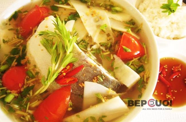 Canh cá nấu măng chua