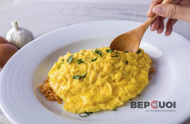 Cơm cuộn trứng Nhật Bản