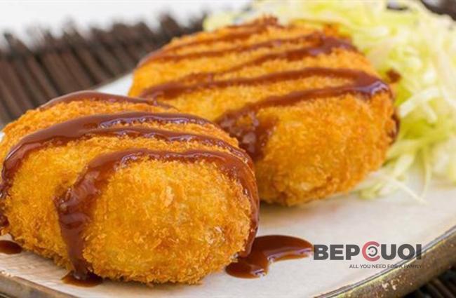 Korokke - Bánh khoay tây nhân thịt chiên xù Nhật Bản