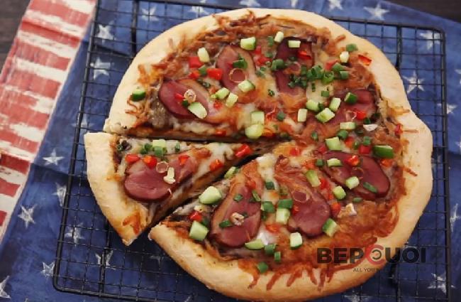Pizza thịt vịt hun khói