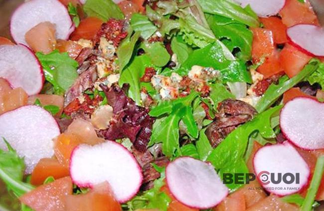 Salad cà chua với thịt bò khô