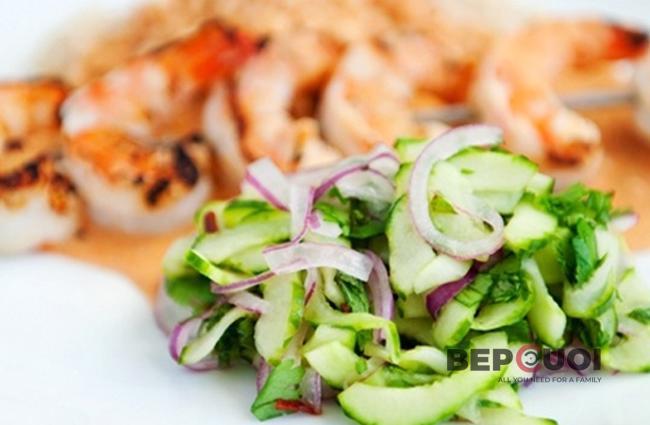 Salad dưa leo hành tây