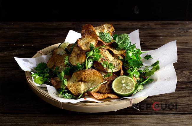 Salad snack khoai tây chiên