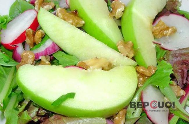 Salad táo xanh với củ cải