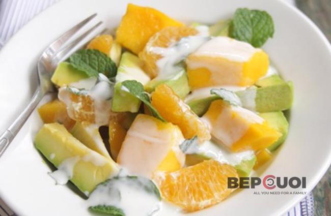 Salad xoài bơ sốt sữa chua