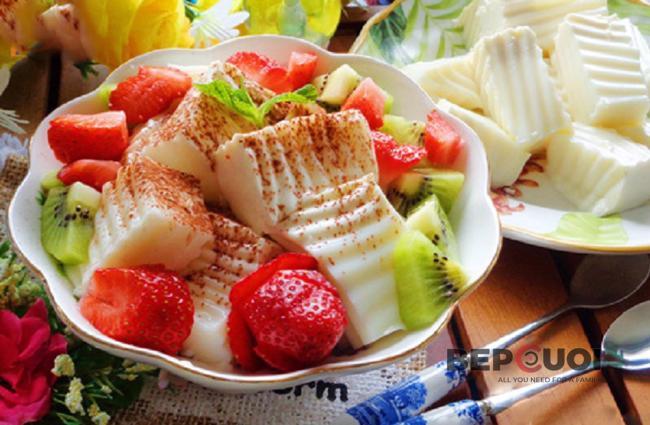 Sữa chua dẻo trộn trái cây
