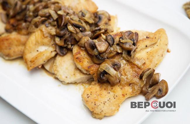 Thịt gà sốt nấm