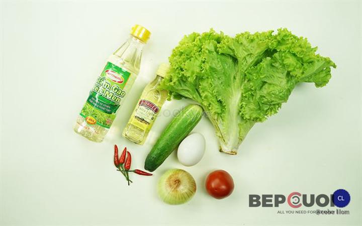 20 phút có ngay món salad rau củ trộn trứng Bếp Cười 1
