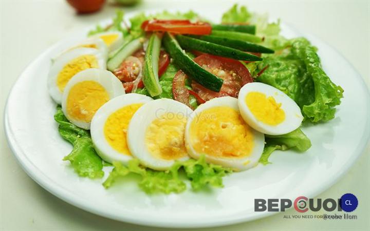 20 phút có ngay món salad rau củ trộn trứng Bếp Cười 7