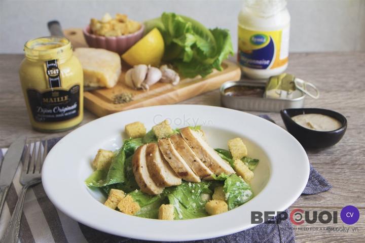 Cách làm Salad ức gà sốt Caesar - Caesar Salad đậm chất Ý Bếp Cười 1