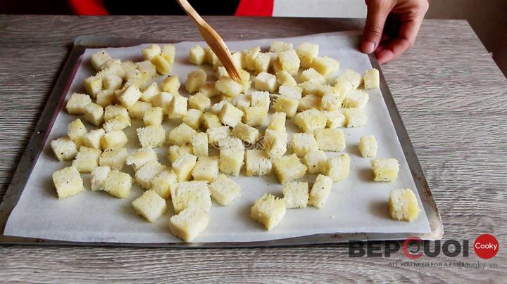 Cách làm Salad ức gà sốt Caesar - Caesar Salad đậm chất Ý Bếp Cười 3