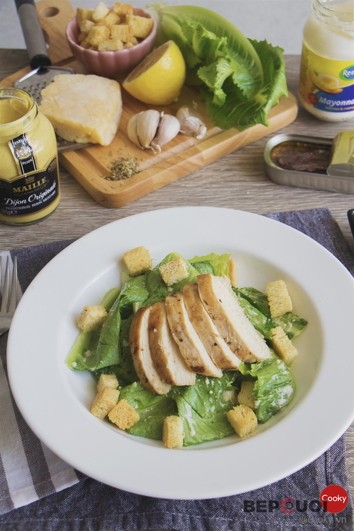 Cách làm Salad ức gà sốt Caesar - Caesar Salad đậm chất Ý Bếp Cười 9