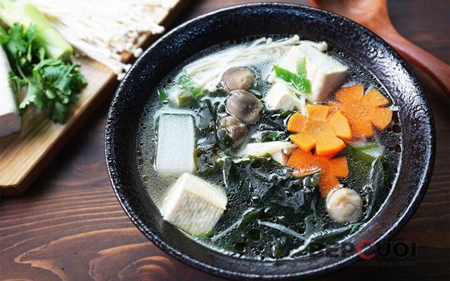 Cách nấu canh rong biển đậu hũ chay thanh mát ngon cơm