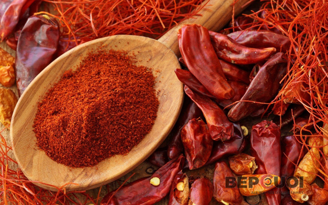 Cách phân biệt ớt bột thật và ớt nhuộm hóa chất độc hại