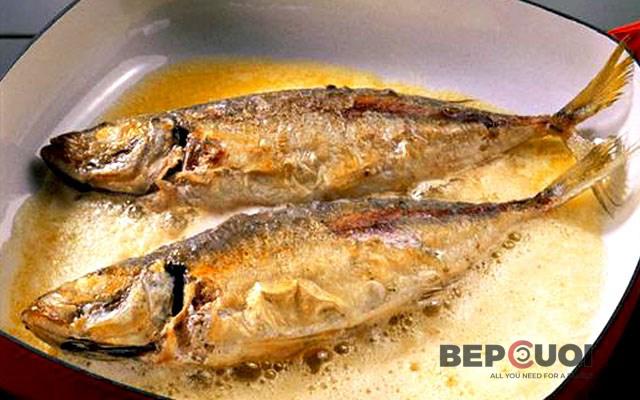 Món Cá Chiên: Tuyệt Chiêu Chiên Cá Giòn Rụm, Không Bị Bắn Dầu, Nát Cá
